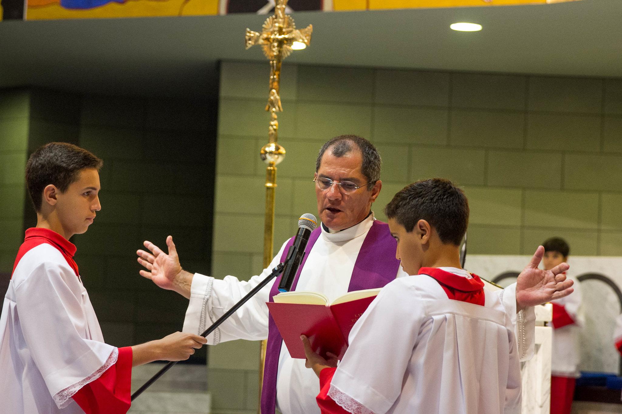 2015 - Padre Bernardo William assume como vigário paroquial. Paróquia Nossa Senhora da Esperança, Asa Norte, Brasília/DF.
