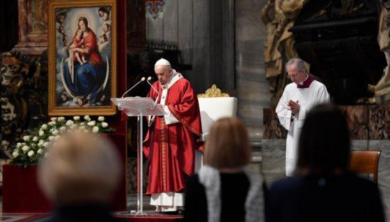 Papa na homilia de Pentecostes 2020