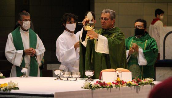 Dom José Aparecido celebra missa na Paróquia Nossa Senhora da Esperança - Asa Norte Brasília